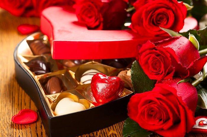 Ngày valentine tặng gì cho bạn gái