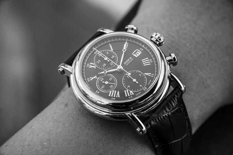 3 Lí do nên mua đồng hồ cơ Thụy Sĩ cũ? Doxa 895.10.102.01