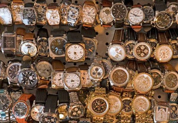 Chợ Đồng Hồ Cũ Tại Hà Nội Địa Điểm Tham Quan Đáng Để Đi Một Lần