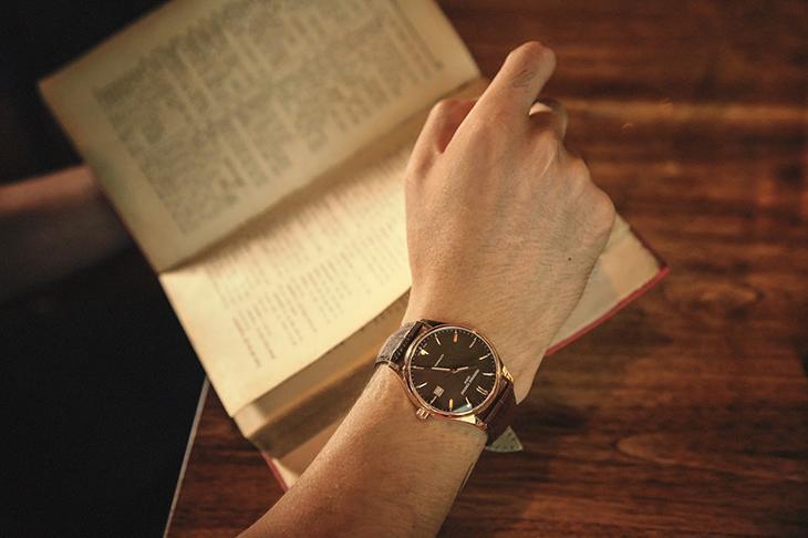 chọn đồng hồ theo phong cách