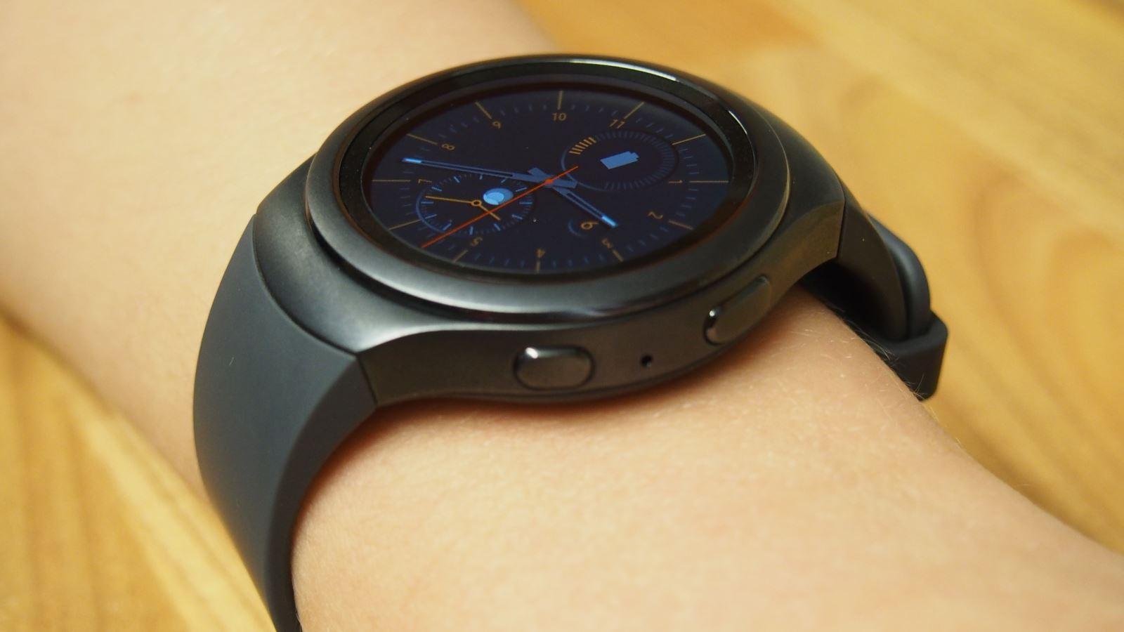 Đồng hồ đeo tay thông minh là gì?