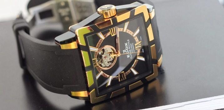 Đồng hồ Edox được thiết kế cầu kì với nhiều chi tiết