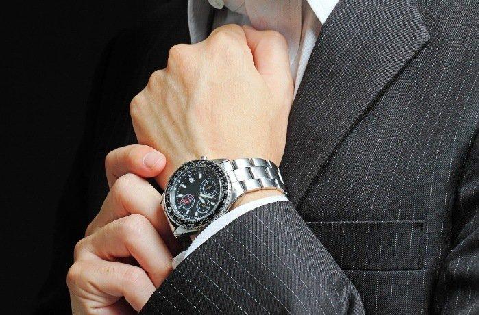 đồng hồ hàng hiệu giảm giá chính hãng