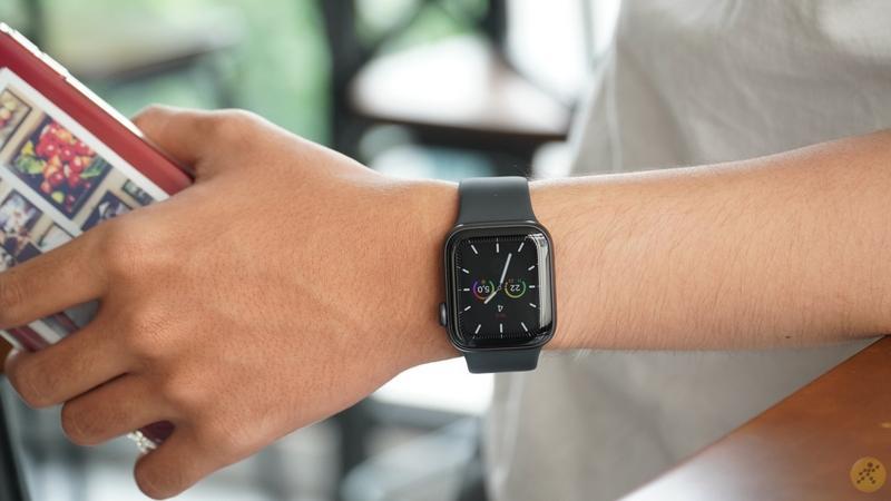 Trên tay Apple Watch Series 5 tại Việt Nam: Siêu phẩm đồng hồ nhà Táo
