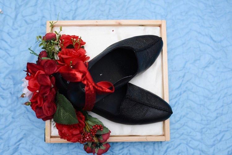 Tặng mẹ một đôi giày mềm