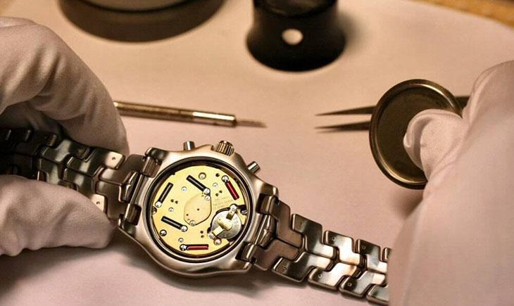 Cấu tạo đồng hồ máy quartz